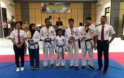 Kobar Taekwondo Akademi naungan Pengcab Taekwondo Indonesia Kotawaringin Barat mengirim 5 atlet ke 2nd The Jong Dragon Borneo School Taekwondo Turnament.