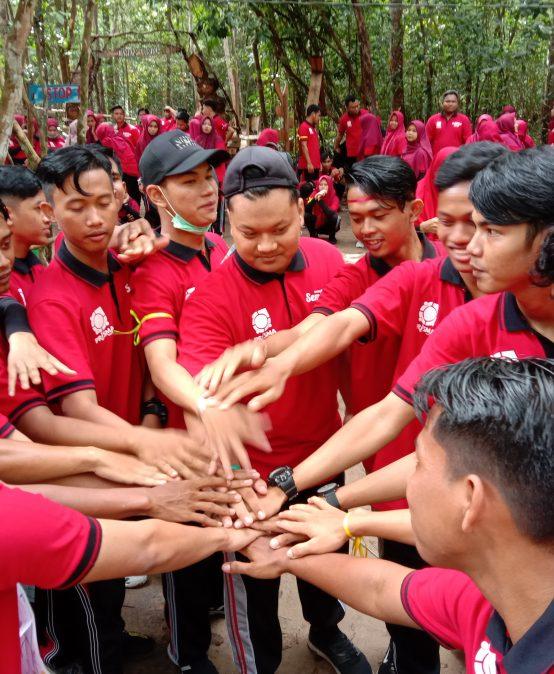 Latih Kepemimpinan, LPK Prisma Wisata Alam ke Jurung Tiga